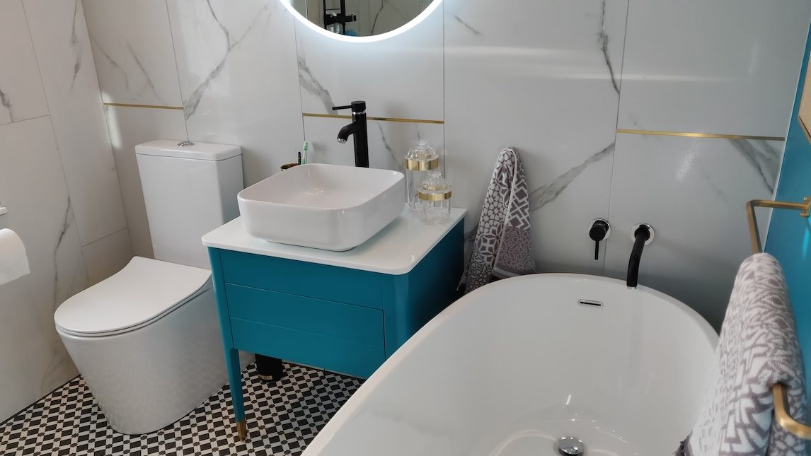 easy bathrooms interior
