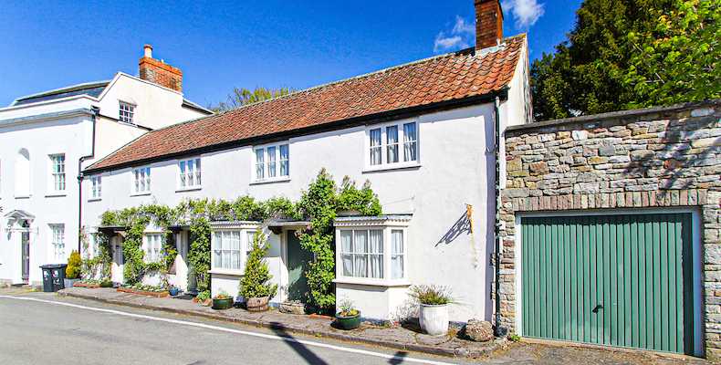 Hot Property | Grade II-listed country cottage with annexe potential